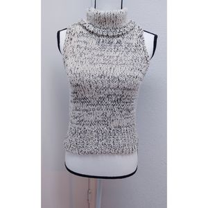 Kendall & Kylie sleeveless sweater Size S